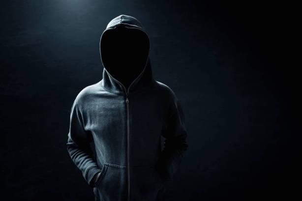 hombre anonimo