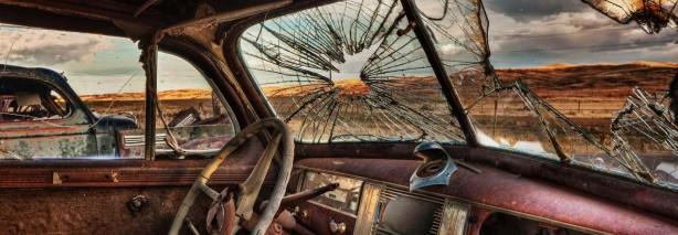 coche viejo destrozado 2